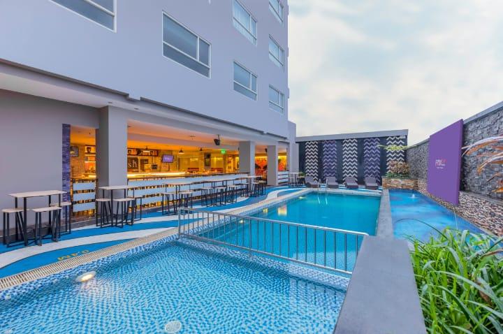 FOX Lite Hotel Royal Bay Makassar