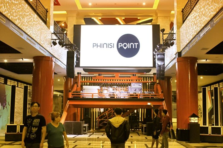 PHINISI POINT  Makassar (Culinary)